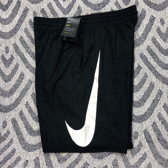 NWT $30 Mens Large Nike Dri-Fit Black Training Shorts w//embroidered Nike emblem